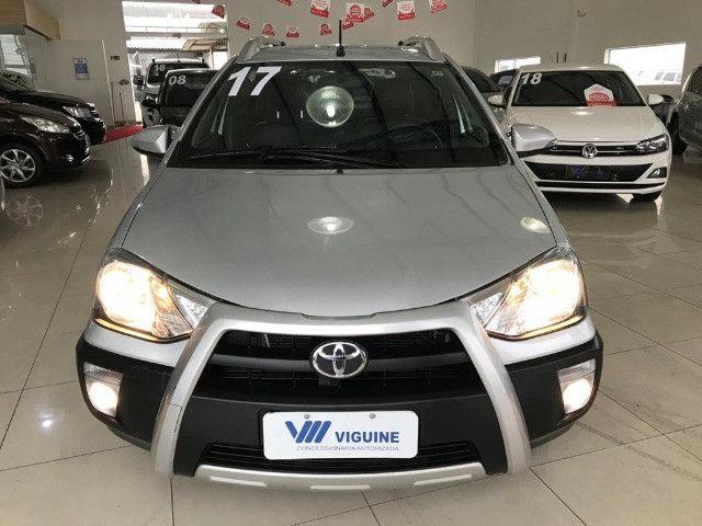 Toyota Etios Cross 1.6 2017 - Foto 12