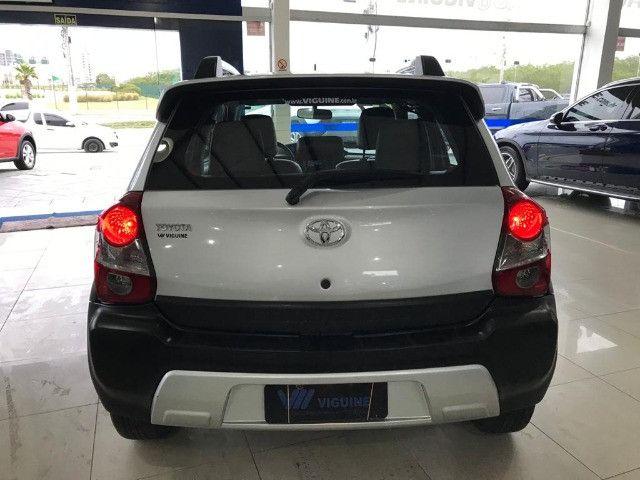 Toyota Etios Cross 1.6 2017 - Foto 8