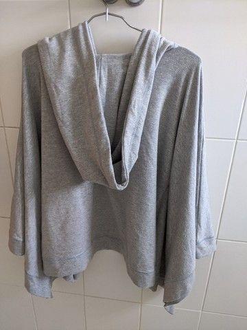 casaco de moletom cinza  - Foto 2