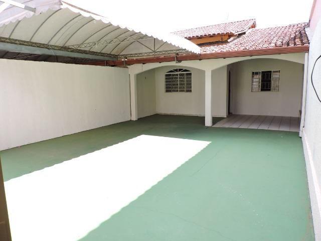 Dier Ribeiro vende: Casa no condomínio nova colina. Bem localizada