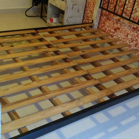 Cama casal padrão ferro e madeira patinada linda