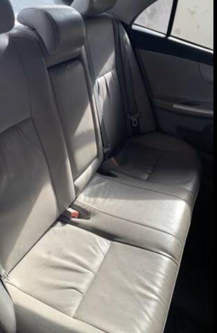Corolla 11 AUTOMÁTICO com kit multimídia e bancos em couro legítimo - Foto 4