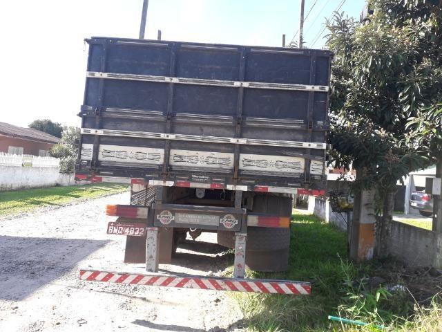 Carroceria truck graneleiro - Foto 14