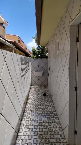 Aluga-se para temporada, casa em condomínio Porto Nassau ( Praia de Maria Farinha) - Foto 3