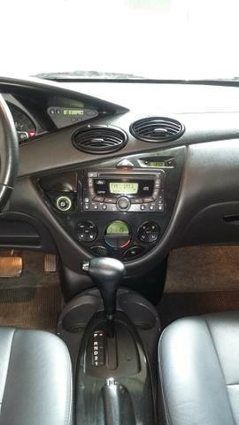 Focus Ghia sedan automático com teto solar - Foto 9