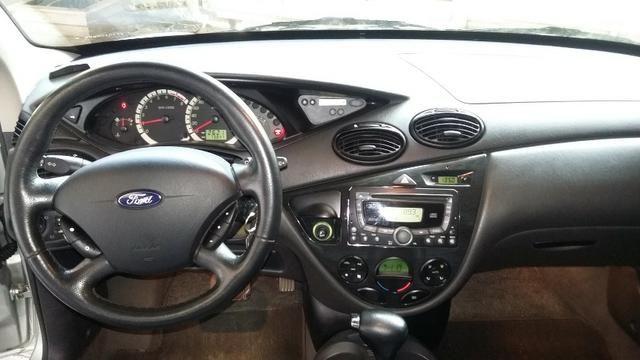 Focus Ghia sedan automático com teto solar - Foto 18