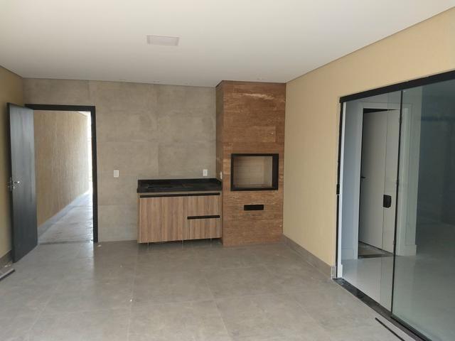 Arniqueiras QD 04 Casa 3 qts 3 suítes lazer condomínio alto padrão só 580mil Ac Imóvel