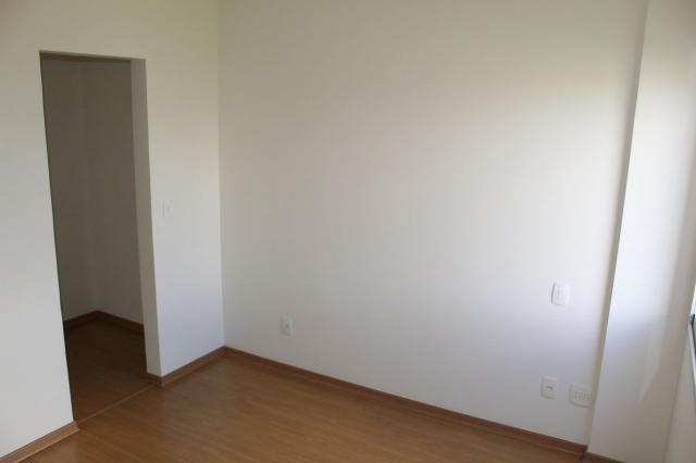 Oportunidade - apto. 4 quartos, ampla sala de estar, varanda, 2 vagas, elevador e ótima lo - Foto 14