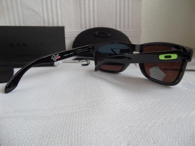 827292324 Óculos Oakley Holbrook Moto GP Preto Polido/Verde Polarizado - Importado -  Foto 3