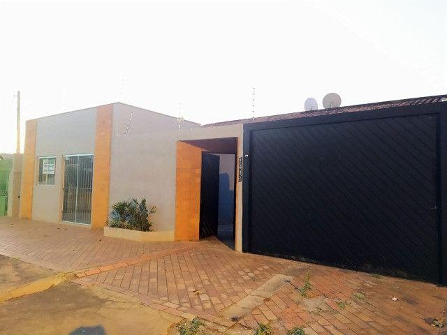 Excelente Casa Com 2 Quartos + Salão a Venda no Bairro Monte Castelo - R$ 315mil