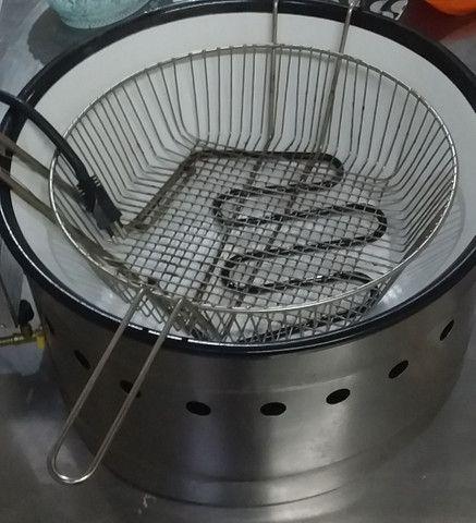 Fritadeira elétrica 110vlts 7 lts 600.00 - Foto 2