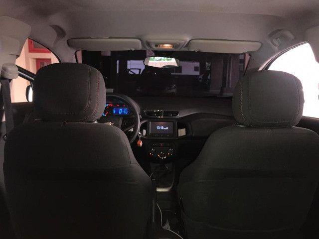 Vendo Ônix Hatch LTZ 1.4 8v FlexPower 5p Mec  - Foto 3