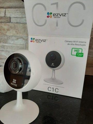 Atacadao das camera: Camera wi-fi 720P Hikvision com audio bidirecional