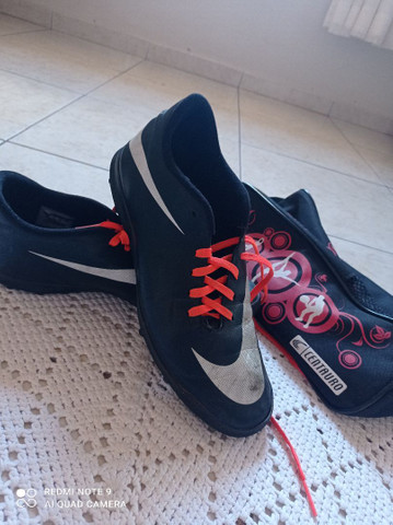 Vendo chuteira Nike 43