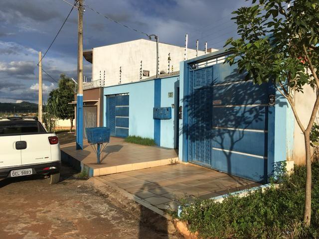 Vende-se imóvel com 2 casas geminadas - Foto 6