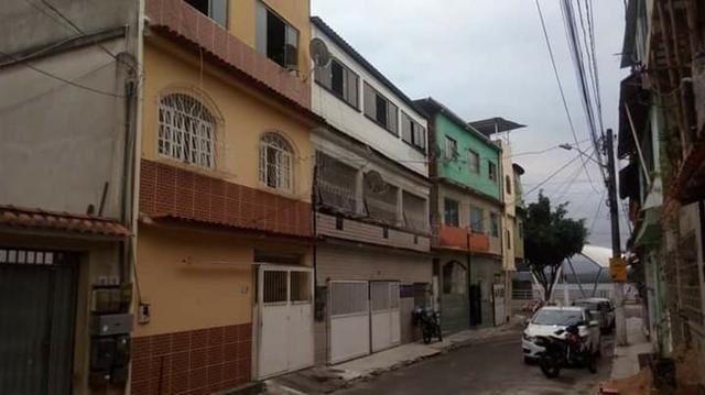 Vendo Sobrado 3 andares com escritura no coração turistico e lazer de São Pedro! - Foto 2