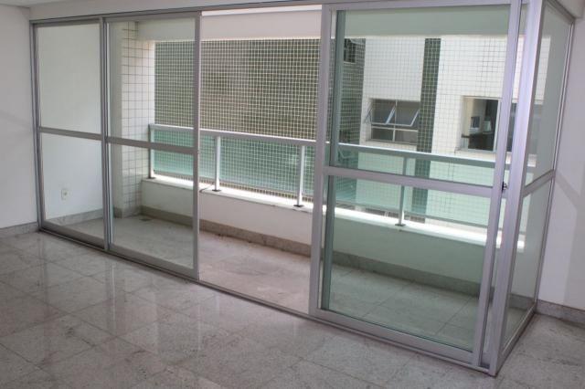 Oportunidade - apto. 4 quartos, ampla sala de estar, varanda, 2 vagas, elevador e ótima lo - Foto 2