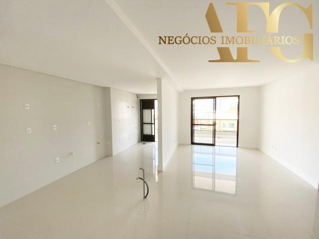Apartamento à Venda no bairro Balneário em Florianópolis/SC - 3 Dormitórios, 2 Suítes, 3 B - Foto 4