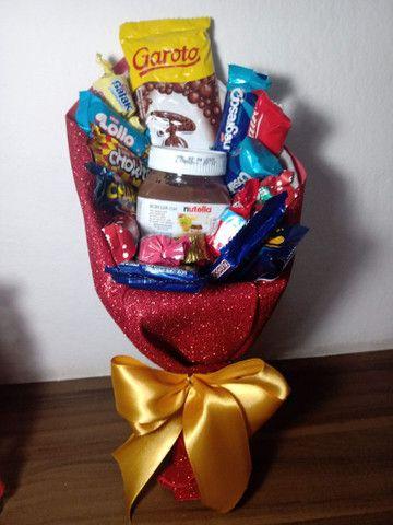 Cesta de chocolate em forma de buquê - Foto 3