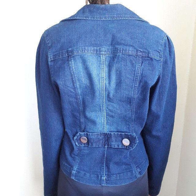 Jaquetas femininas estampada e jeans - Foto 4