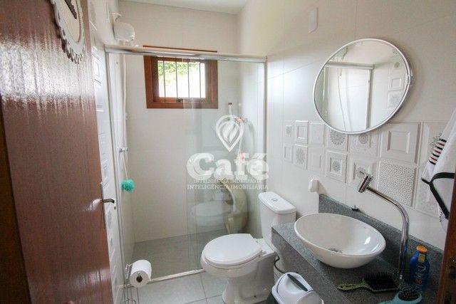 Casa de esquina para Venda, Bairro Camobi, 4 dormitórios. - Foto 8