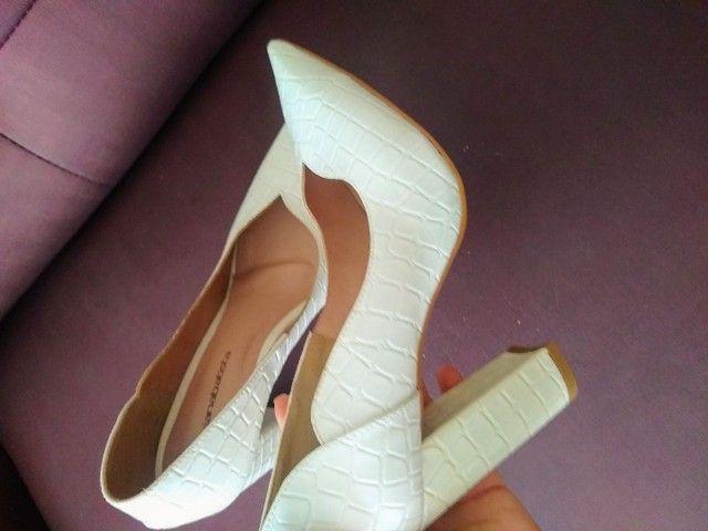 Sapato branco novo