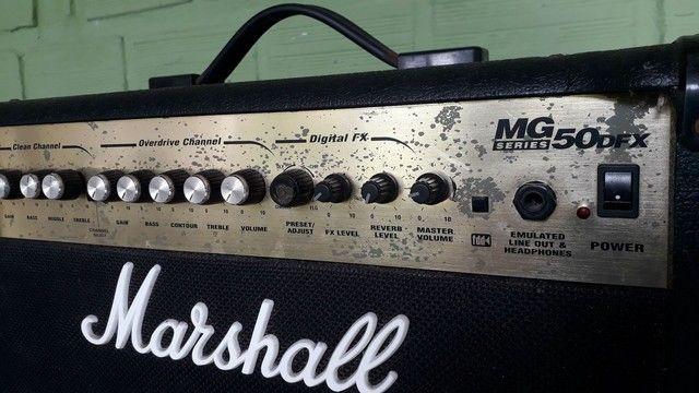 Amplificador de Guitarra Marshall MG 50 DFX - Foto 5