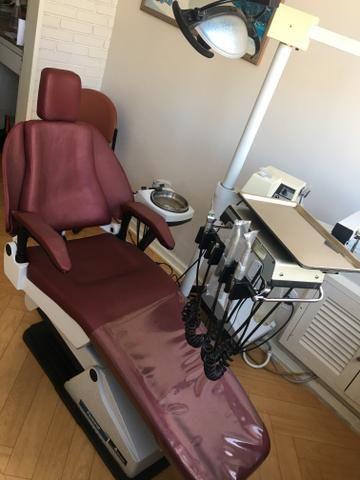 02 Cadeiras odontológicas automáticas em ótimo estado, funcionando