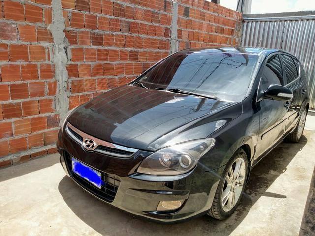 Hyundai i30 aceito moto como parte do pagamento.