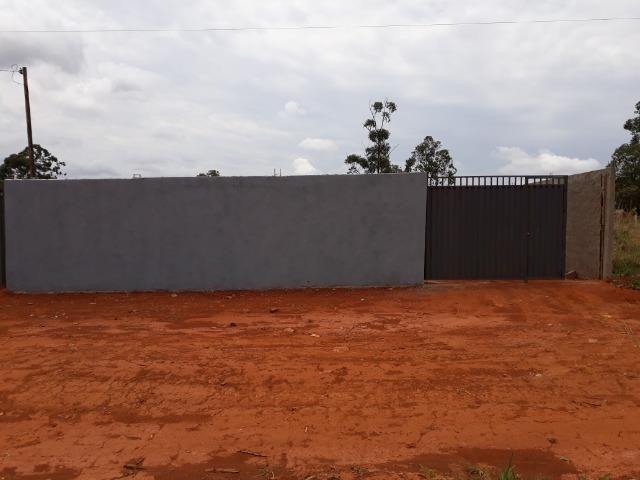 Casa nova, espaçosa com area de churrasqueira, 2quartos, 2 banheiros, lote de 400metros - Foto 2