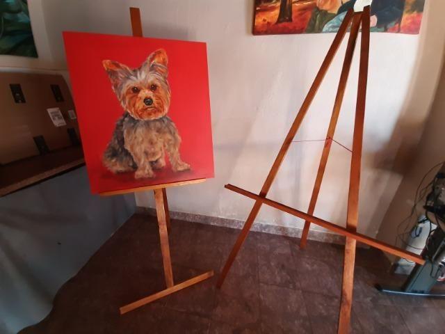 2 Cavaletes de madeira para pintura em tela e exposição