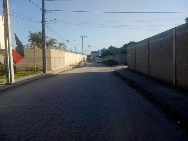 Atenção vendo este terreno no bairro do sim em feira de Santana 10x21 R$120Mil