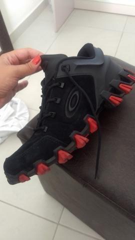TÊNIS OAKLEY MECHANISM BLACK   RED Original!!!! - Roupas e calçados ... b02d3ee5eb