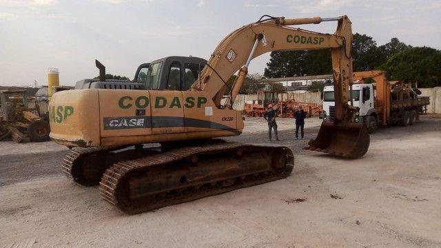 Escavadeira case cx220  *