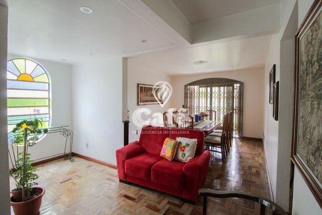 Casa de esquina para Venda, Bairro Camobi, 4 dormitórios. - Foto 16