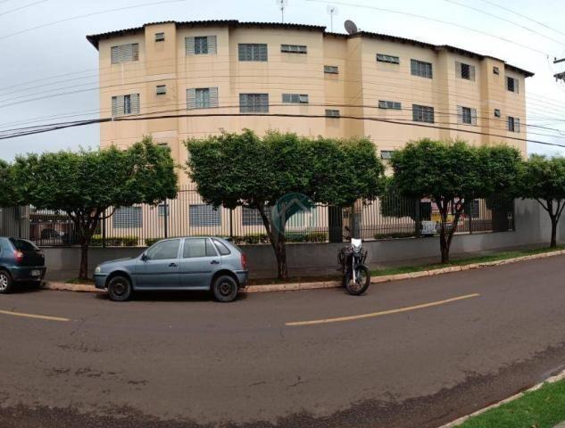 Apartamento com 03 dormitórios
