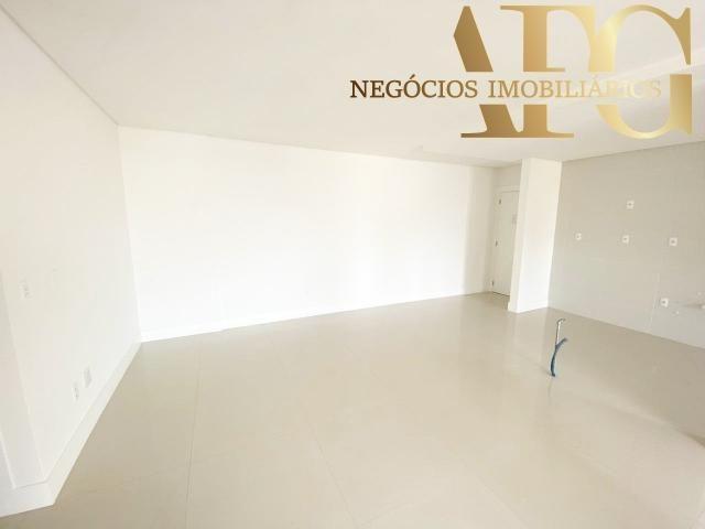 Apartamento à Venda no bairro Balneário em Florianópolis/SC - 3 Dormitórios, 2 Suítes, 3 B - Foto 6
