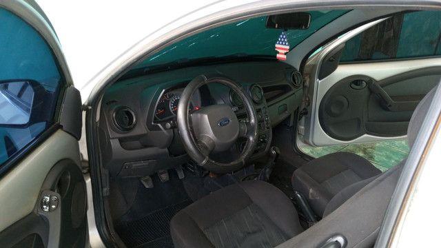 Vende-se um Ford Ka completo de tudo 2009 podendo ser financiado com entrada de 3.000 - Foto 3