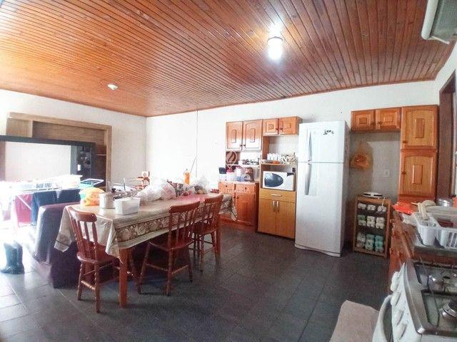 Ótima oportunidade, casa 3 dormitórios ampla garagem em bairro tranquilo! - Foto 8