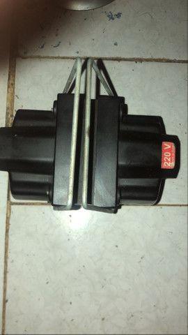 vendo um autotransformador bivolt 1010va  - Foto 3