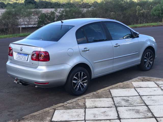 VW Polo Sedan ConfortLine I-Motion 1.6 8v - Foto 4