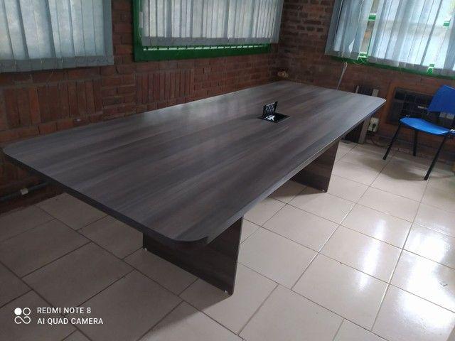 Mesa de reuniões escritório