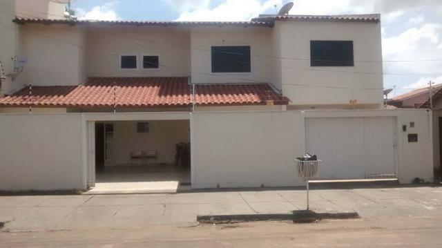 Casa em Palmas, 2 Sobrados 5 quartos