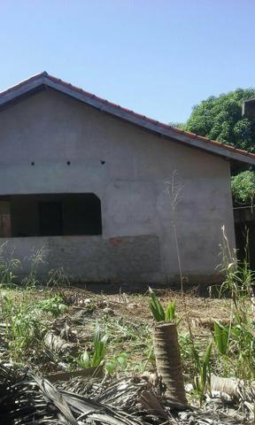 Vende-se uma casa em alvenaria. Whatsapp: 992847815 ou Cel:999941209
