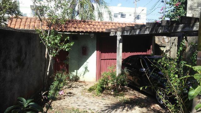 Bela casa - tem estrutura para sobrado - Foto 4