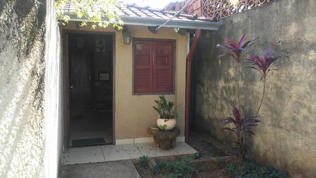 Bela casa - tem estrutura para sobrado - Foto 17
