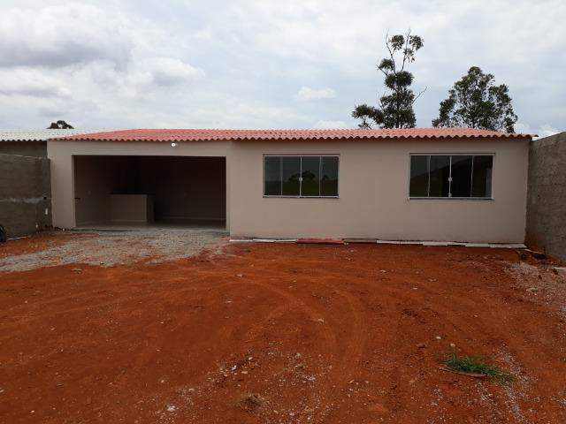 Casa nova, espaçosa com area de churrasqueira, 2quartos, 2 banheiros, lote de 400metros - Foto 3