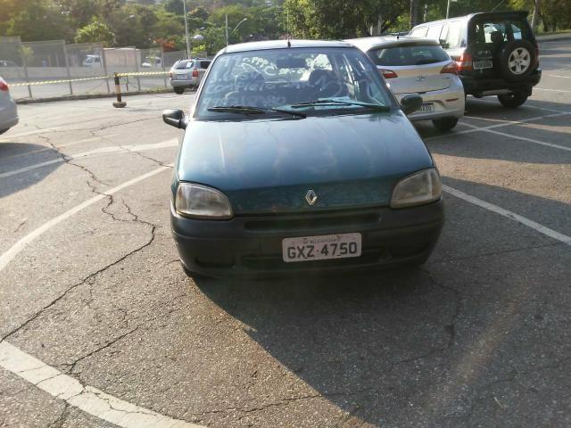 Renault Clio 99 1.6 8 v, gasolina 4 portas com direção , vidro elétrico - Foto 4
