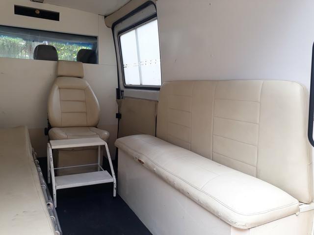 Ambulância Sprinter 312 D 2001 - Foto 4