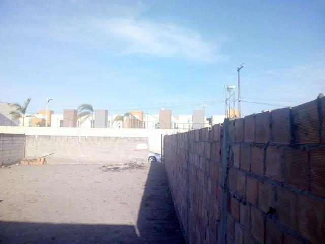 Atenção vendo este terreno no bairro do sim em feira de Santana 10x21 R$120Mil - Foto 2